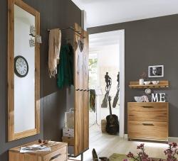 Garderoben aus massivem Holz