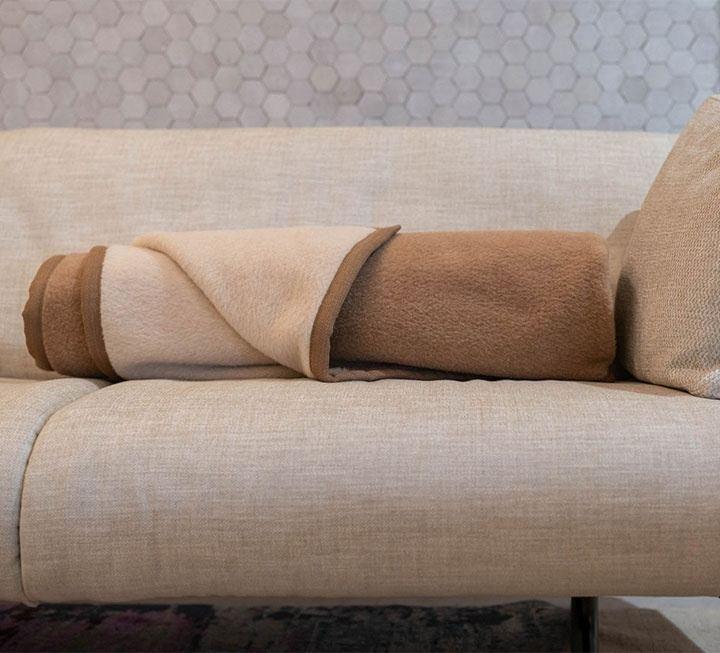 baby alpaka decke simple baby alpaka decke with baby alpaka decke great beige alpakadecke puro. Black Bedroom Furniture Sets. Home Design Ideas