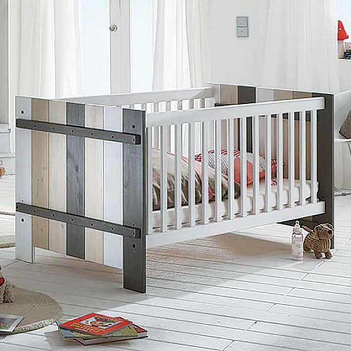 babybetten massivholz streng schadstoffgepr ft. Black Bedroom Furniture Sets. Home Design Ideas