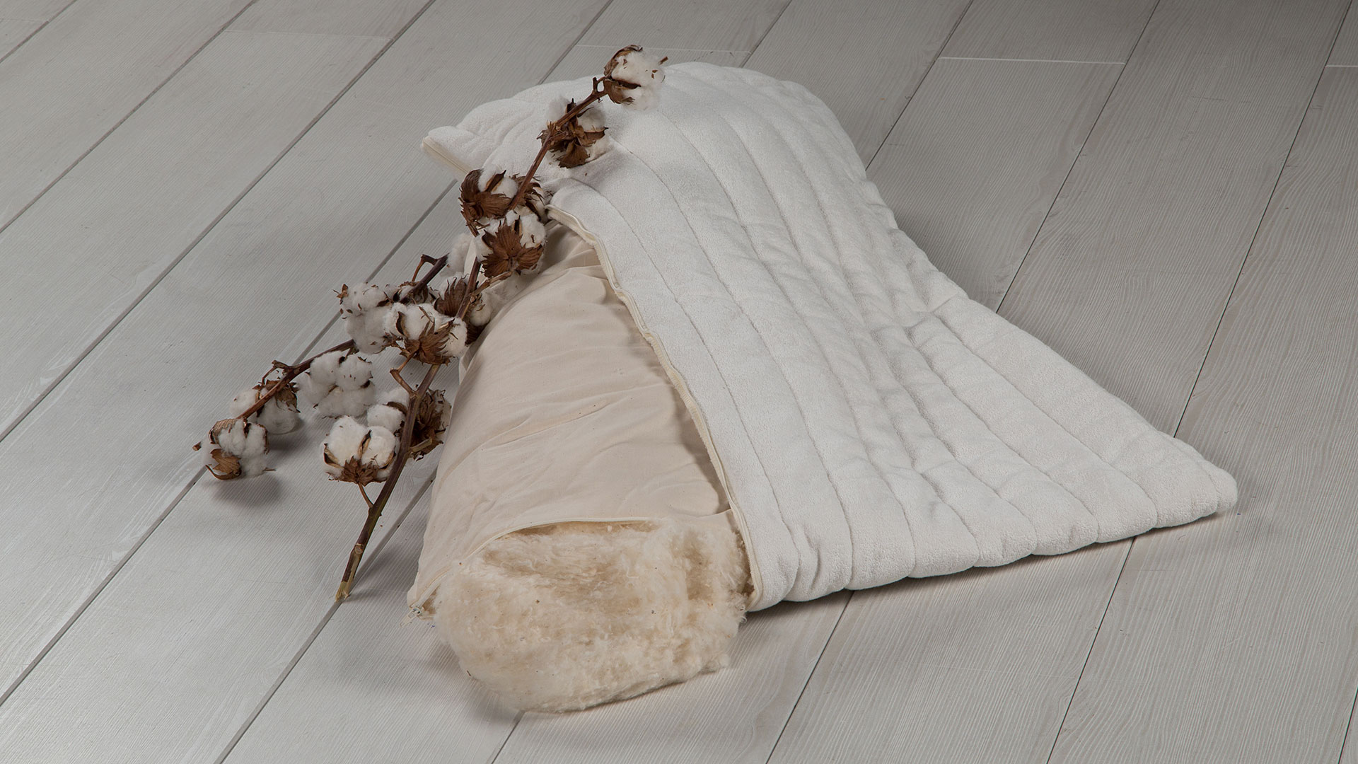 test kunstfaser bettdecken microfaser kopfkissen 80x80 bettw sche 200 x wandfarbe cashmere. Black Bedroom Furniture Sets. Home Design Ideas