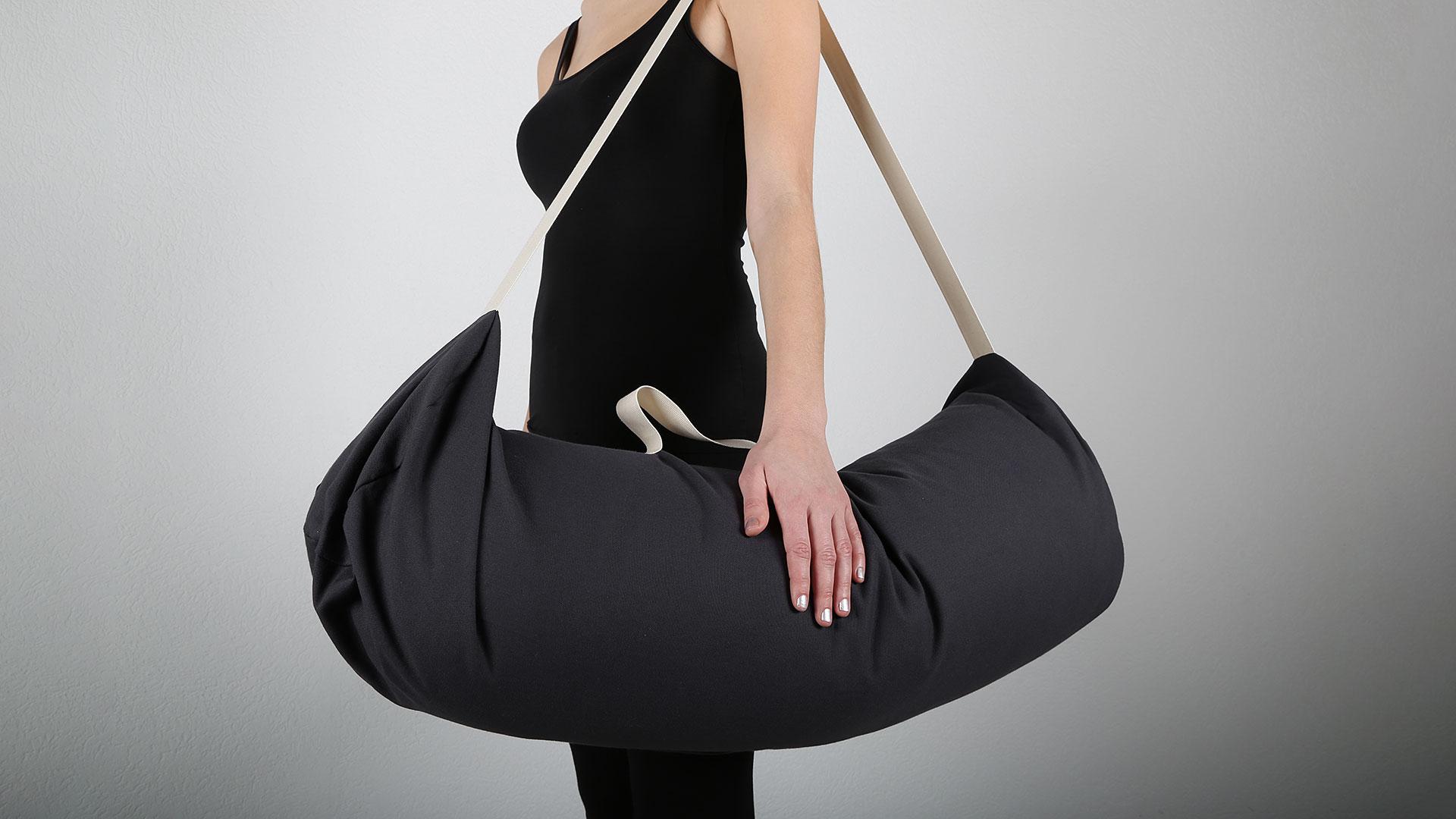 Praktische Yogatasche mit Griff und Gurt, hier Farbstellung dunkelblau