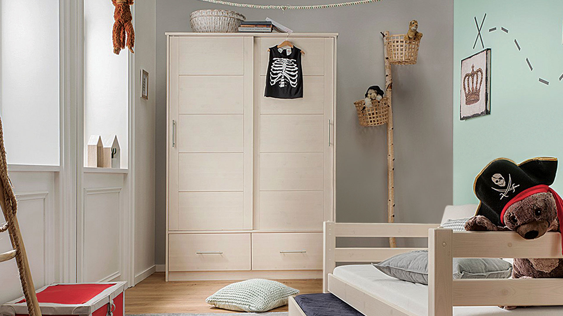 schiebet ren kleiderschrank f r baby kinder jugendzimmer. Black Bedroom Furniture Sets. Home Design Ideas