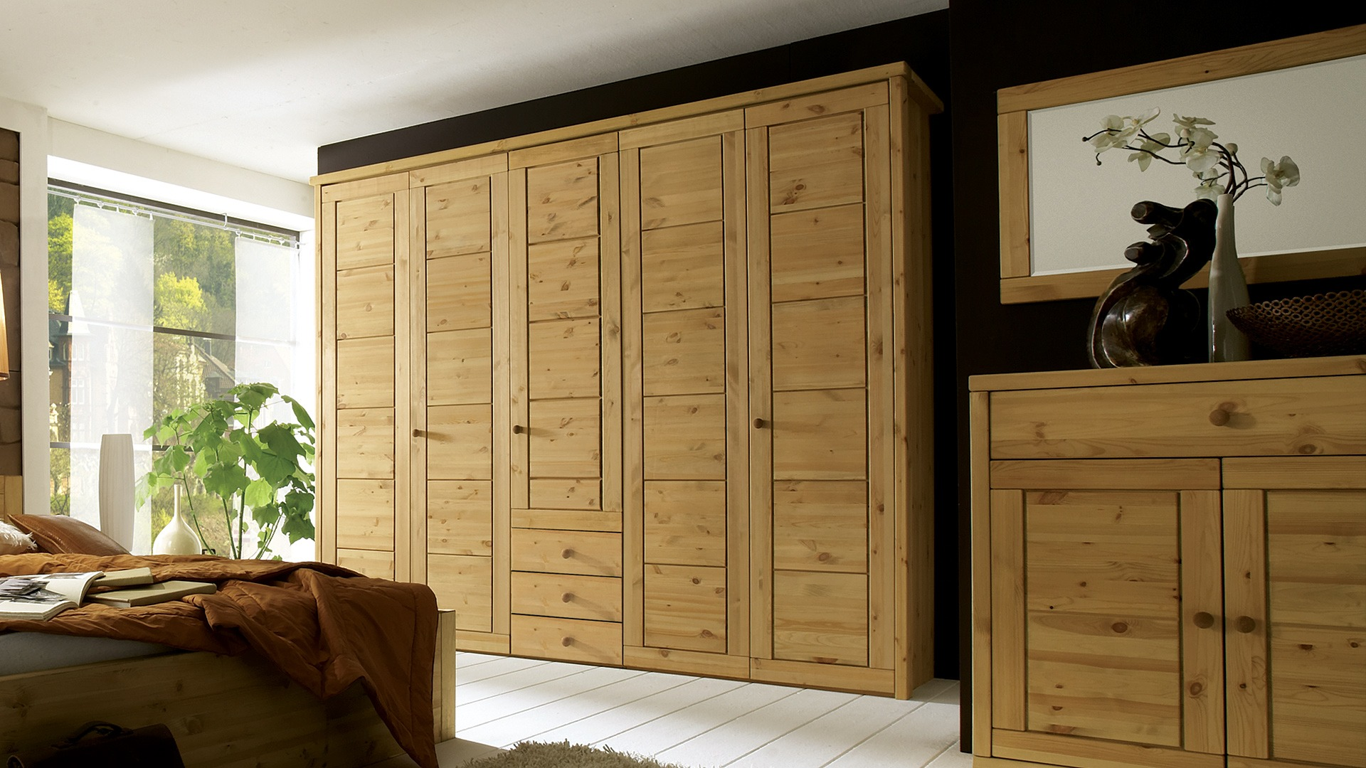 massivholz kleiderschrank mascella kiefer. Black Bedroom Furniture Sets. Home Design Ideas