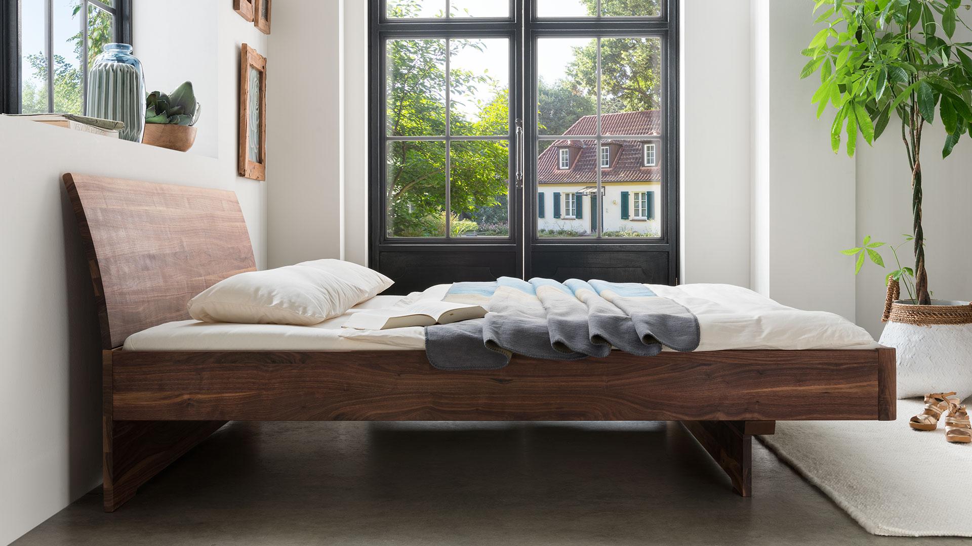 Einzelbett und doppelbett nocellara for Einzelbett modern