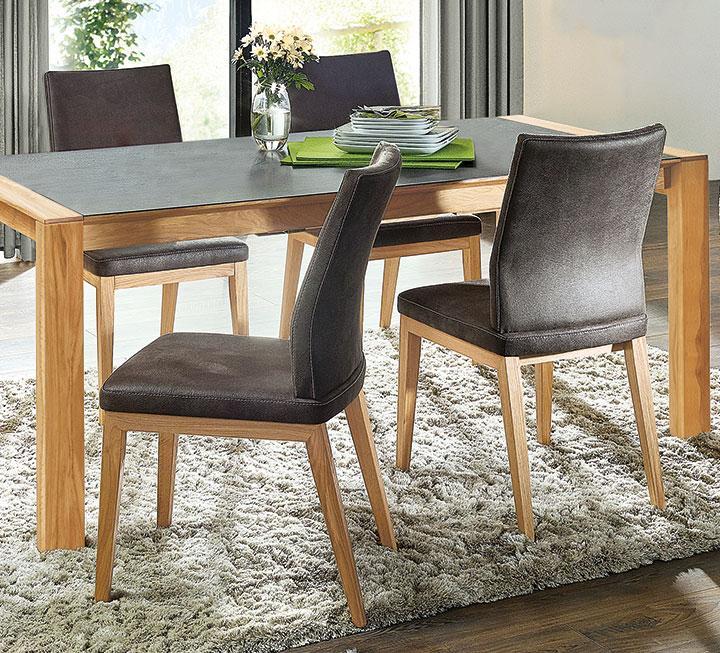Stühle aus massivem Holz