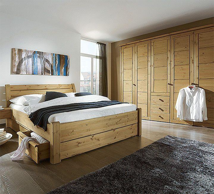 Schlafzimmer ohne Oberflächen-Behandlung