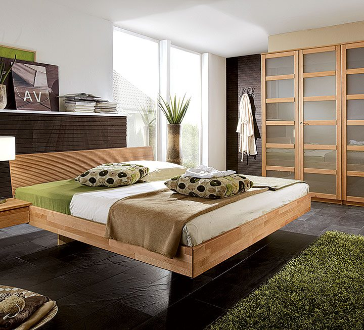 Schlafzimmer aus Massivholz