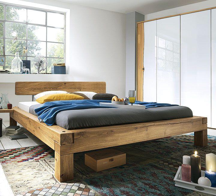 Balkenbetten Verleihen Ihrem Schlafzimmer Rustikales Flair. Lassen Sie Sich  Von Edlen Hölzern In Markanter Stärke Und Geradlinigen, Robusten Designs ...